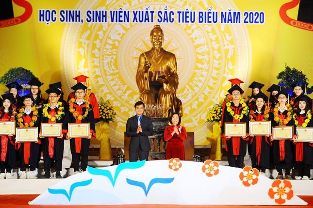Khen thưởng 1,3 tỷ đồng cho học sinh, sinh viên Hải Phòng ảnh 1