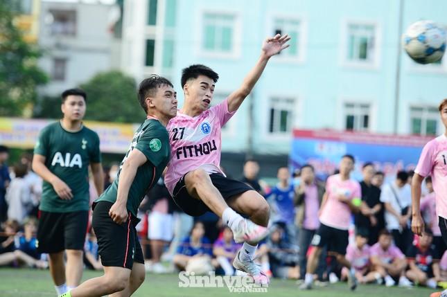 Những khoảnh khắc ấn tượng tại giải bóng đá sinh viên ảnh 6