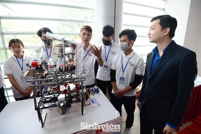 27 đội thi tranh tài tại cuộc thi công nghệ dành cho sinh viên ảnh 2