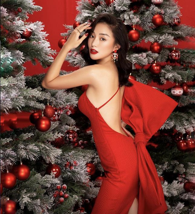 """Hot girl Việt check-in """"rầm rầm"""" không khí Giáng sinh ảnh 1"""