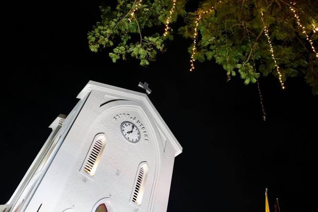 Biển người hoà chung không khí đêm Giáng sinh ở Thủ đô ảnh 6