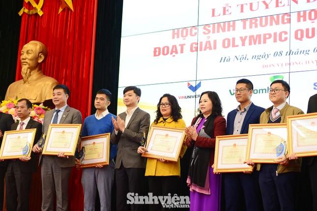 Vinh danh 24 học sinh giành giải Olympic quốc tế năm 2020 ảnh 4