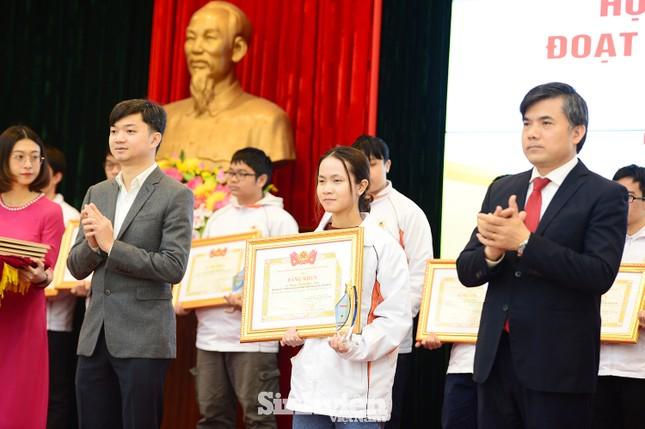 Vinh danh 24 học sinh giành giải Olympic quốc tế năm 2020 ảnh 3