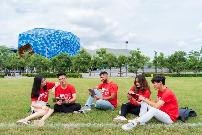 Học sinh Việt Nam có cơ hội nhận học bổng Đại sứ Vương quốc Anh trị giá gần 1 tỉ đồng ảnh 1