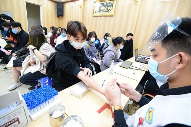 """Nữ sinh """"Sao Tháng Giêng"""" tham gia hiến máu tình nguyện vì cộng đồng ảnh 1"""