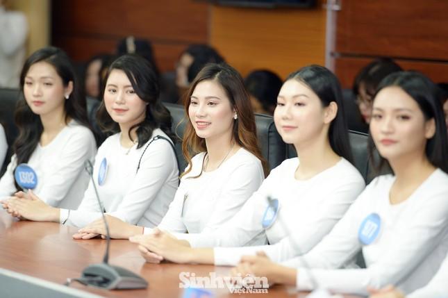"""Dàn thí sinh """"Hoa khôi sinh viên 2020"""" hội tụ tại Hà Nội ảnh 4"""