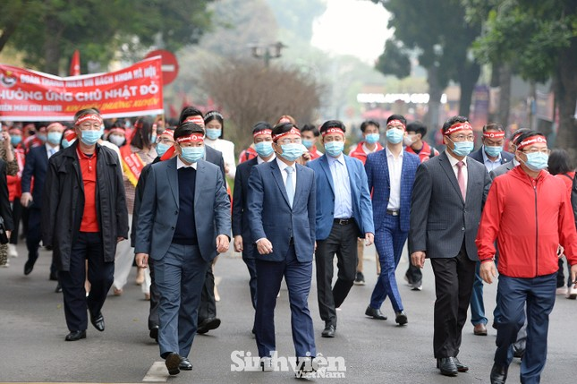 """Hàng ngàn sinh viên diễu hành hưởng ứng """"Chủ Nhật Đỏ"""" 2021 ảnh 3"""