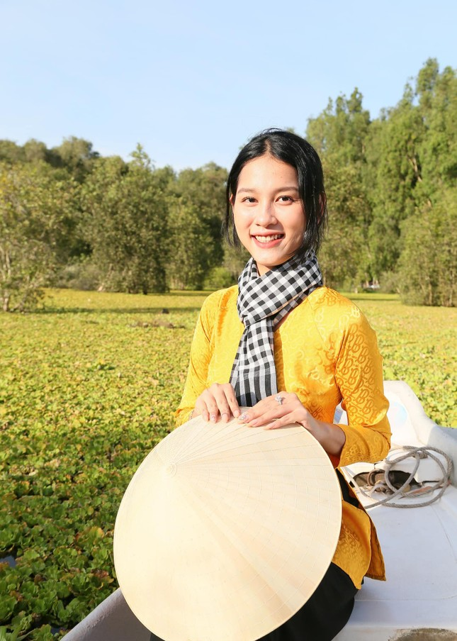 Nhan sắc rạng ngời của nữ sinh viên giành vương miện Hoa khôi Sinh viên Việt Nam 2020 ảnh 11