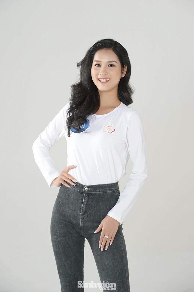 Nhan sắc rạng ngời của nữ sinh viên giành vương miện Hoa khôi Sinh viên Việt Nam 2020 ảnh 7