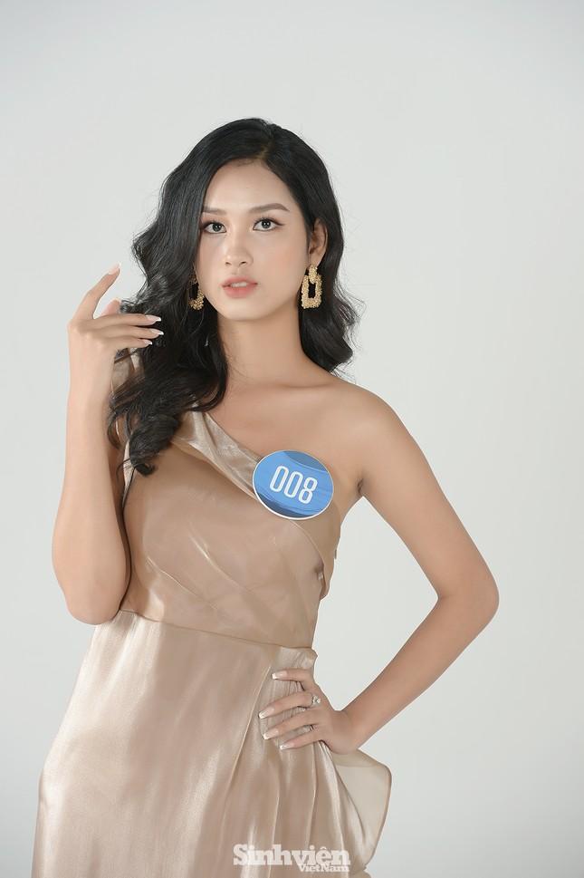 Nhan sắc rạng ngời của nữ sinh viên giành vương miện Hoa khôi Sinh viên Việt Nam 2020 ảnh 5