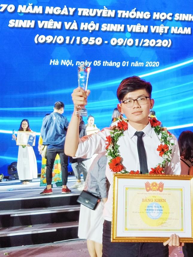 Phát huy tiềm năng trí tuệ của sinh viên Việt Nam trong công cuộc dựng xây đất nước ảnh 2