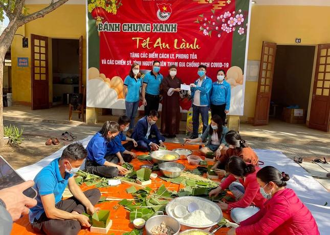 Hàng nghìn bánh chưng xanh gửi người dân và các lực lượng phòng chống dịch COVID-19 ảnh 6