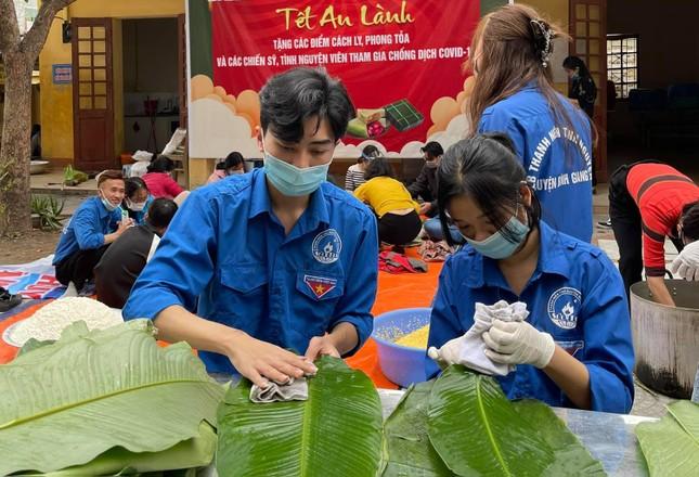 Hàng nghìn bánh chưng xanh gửi người dân và các lực lượng phòng chống dịch COVID-19 ảnh 1