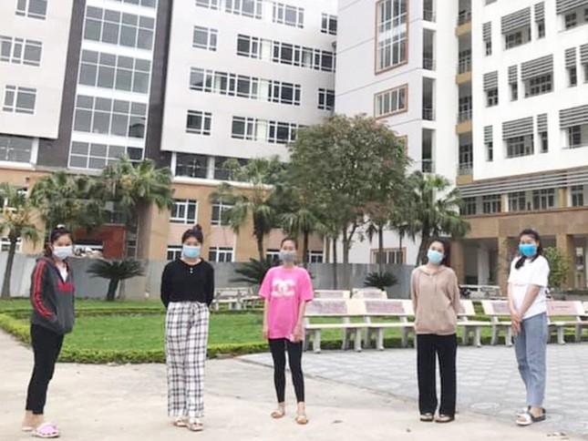 Lưu học sinh Lào tình nguyện ở lại ăn Tết Việt cùng người dân Hải Dương chống dịch ảnh 1