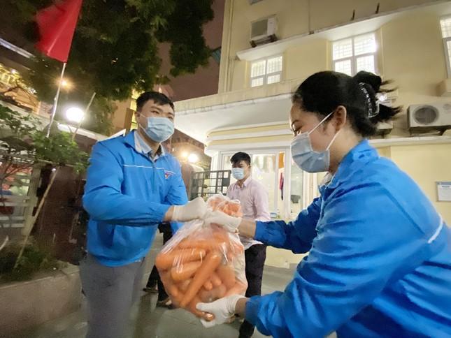 Trắng đêm hỗ trợ người dân Hải Dương tiêu thụ nông sản ảnh 2