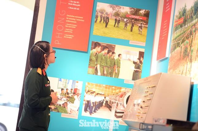 Hơn 300 tài liệu, hình ảnh và hiện vật tiêu biểu của tuổi trẻ Quân đội đã được giới thiệu ảnh 5