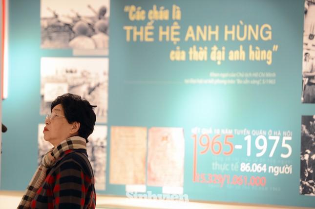 Hơn 300 tài liệu, hình ảnh và hiện vật tiêu biểu của tuổi trẻ Quân đội đã được giới thiệu ảnh 3
