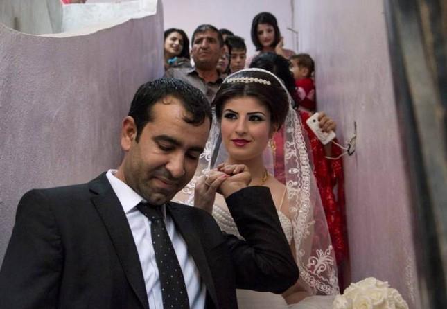 Cảm động đám cưới đầu tiên tại Syria sau khi IS rút lui ảnh 4