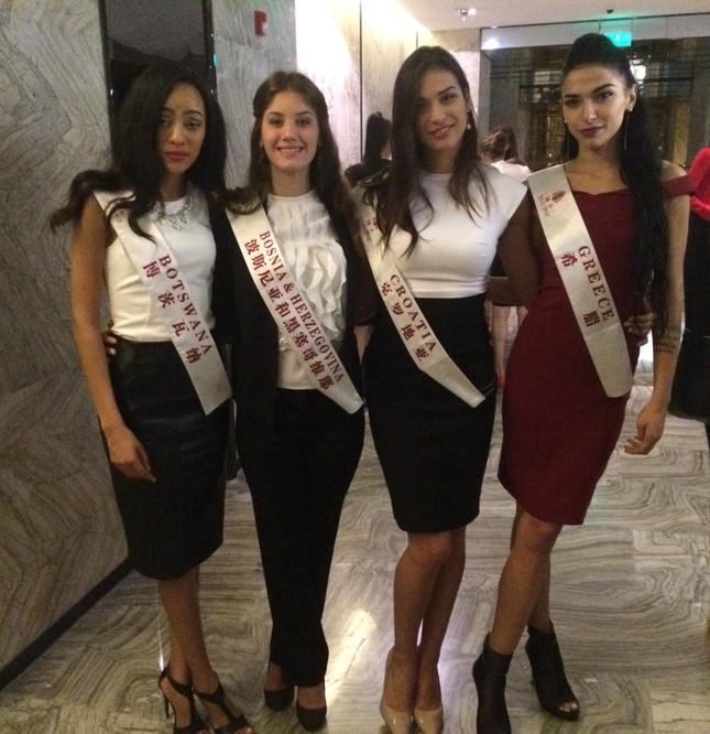 Đại diện Hy Lạp bất ngờ bị tước quyền dự thi Miss World 2015 ảnh 1
