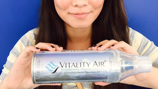 Không khí sạch đóng chai 'cháy hàng' tại Trung Quốc ảnh 1