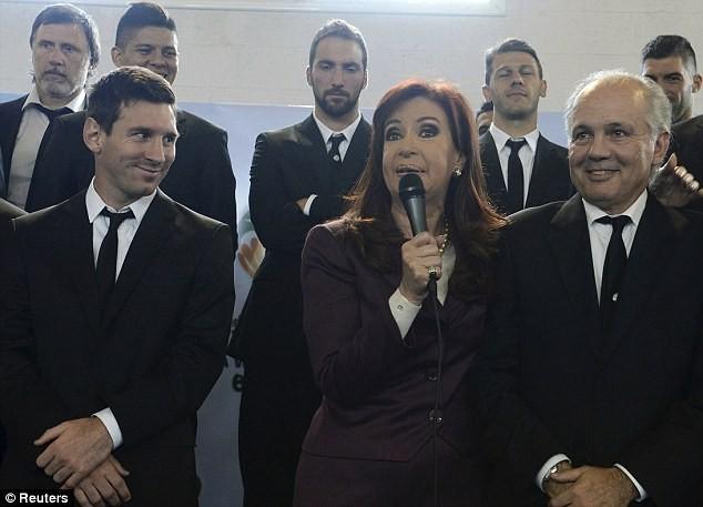 Messi được chào đón như người hùng ở Argentina ảnh 2