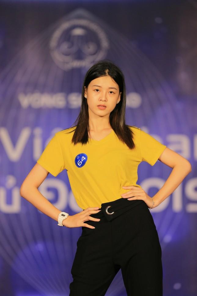 Nữ sinh Thủ đô tạo dáng như siêu mẫu ảnh 6
