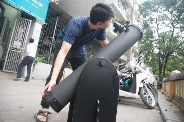 Người Hà Nội thích thú ngắm nhật thực 'vòng tròn lửa' cực hiếm ảnh 5