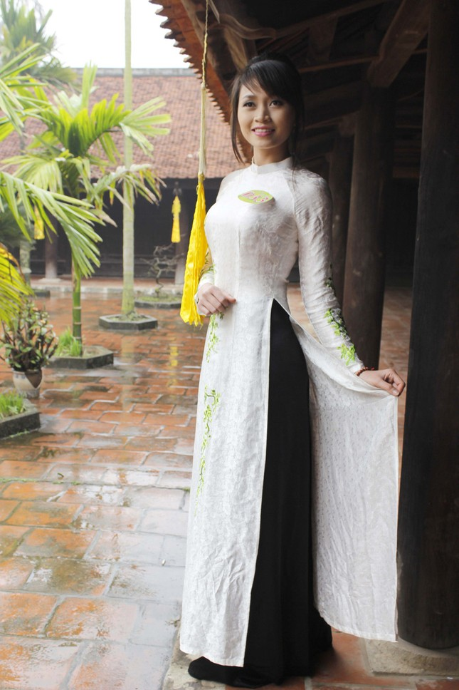Người đẹp Kinh Bắc thăm Chùa Bút Tháp ảnh 3