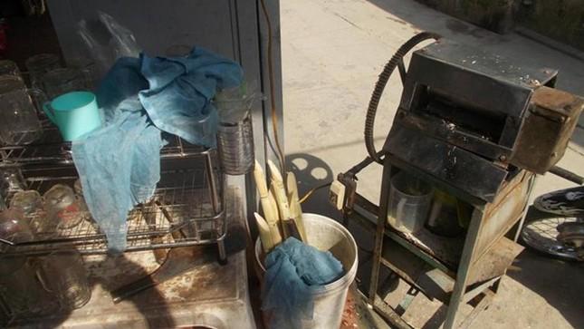 Cận cảnh sản xuất nước mía 6.000 đồng tại Hà Nội ảnh 3
