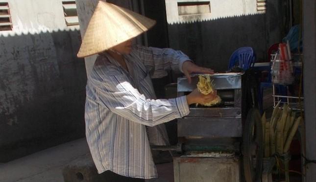 Cận cảnh sản xuất nước mía 6.000 đồng tại Hà Nội ảnh 5