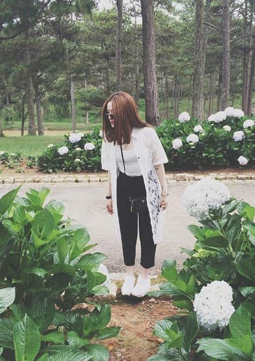 Áo khoác mùa hè sành điệu của sao Việt ảnh 10