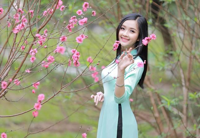 Nữ sinh Việt Nam ấn tượng khoe nụ cười tỏa nắng ảnh 1