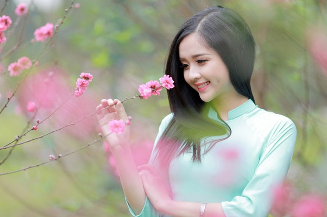 Nữ sinh Việt Nam ấn tượng khoe nụ cười tỏa nắng ảnh 2