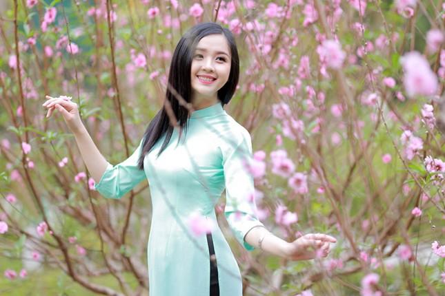 Nữ sinh Việt Nam ấn tượng khoe nụ cười tỏa nắng ảnh 9