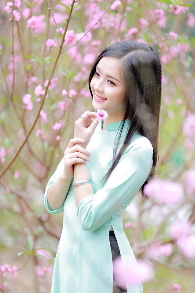 Nữ sinh Việt Nam ấn tượng khoe nụ cười tỏa nắng ảnh 7