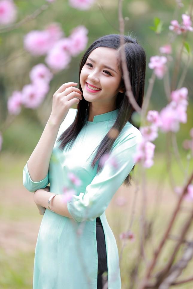 Nữ sinh Việt Nam ấn tượng khoe nụ cười tỏa nắng ảnh 3