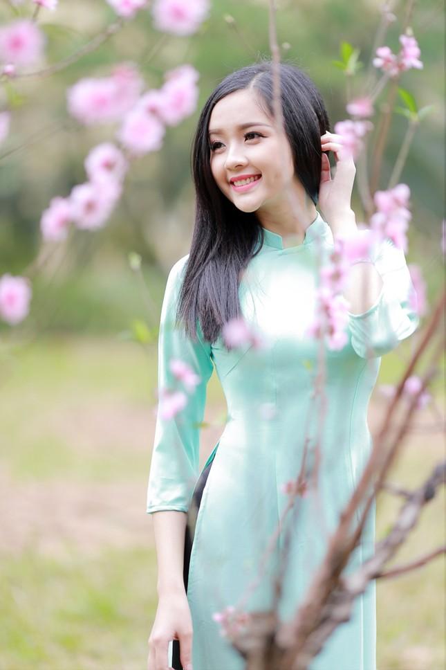Nữ sinh Việt Nam ấn tượng khoe nụ cười tỏa nắng ảnh 4