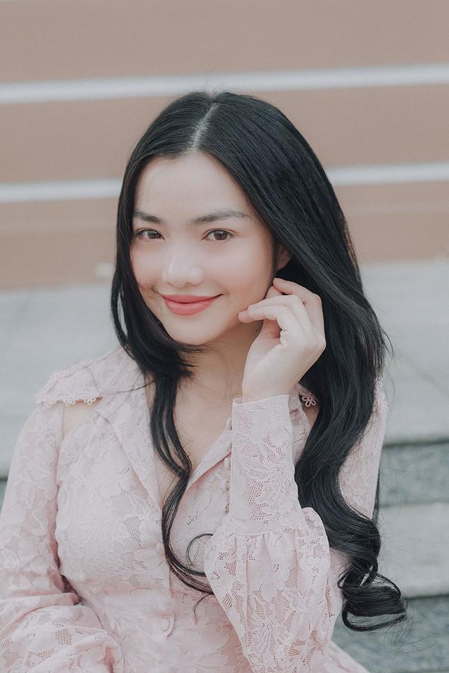 Hồng Kim Hạnh 'lột xác' sau vai diễn trong 'Tiệm ăn dì ghẻ' ảnh 4