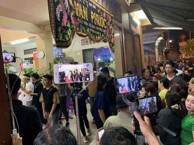 Tràn ngập clip mang tiêu đề 'Trực tiếp đám tang Mai Phương' gây phẫn nộ ảnh 3