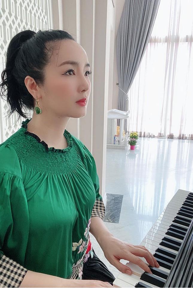 Cuộc sống cách ly trong biệt thự triệu đô của Hoa hậu Đền Hùng Giáng My ảnh 4