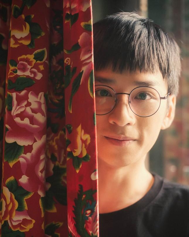 Từ Ngạn 'Mắt biếc' đến Nhân 'Nhà trọ Balanha', diễn viên Trần Nghĩa chờ vai điên loạn ảnh 4