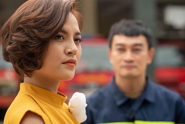 Thu Quỳnh kể chuyện cắt tóc, nợ cảnh quay trong 'Lửa ấm' ảnh 1