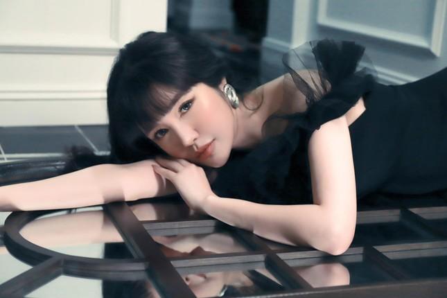 Elly Trần bất ngờ tiết lộ cuộc sống hiện tại cô đơn, trầm cảm, giảm 10kg ảnh 2