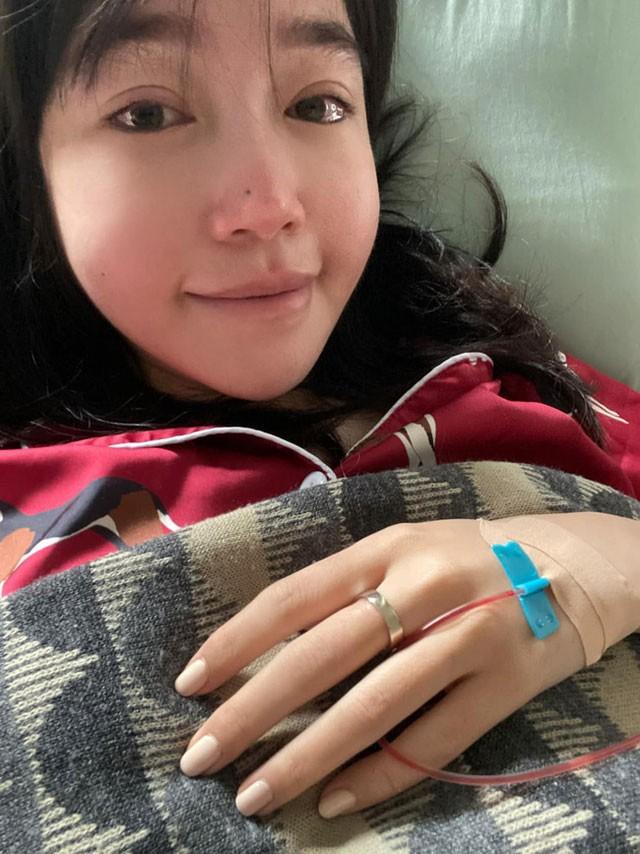 Elly Trần bất ngờ tiết lộ cuộc sống hiện tại cô đơn, trầm cảm, giảm 10kg ảnh 1