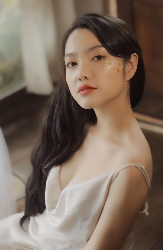 Hồng Kim Hạnh tung ảnh hững hờ, ngọt ngào quyến rũ ảnh 5