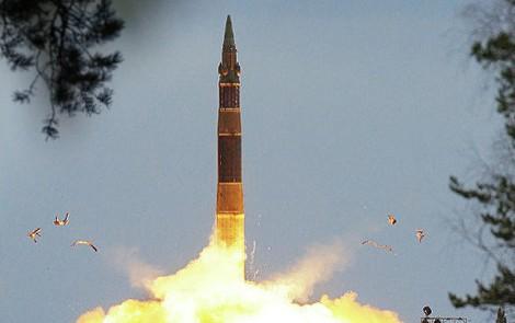 Nga thử tên lửa đạn đạo giữa căng thẳng Ukraine ảnh 1