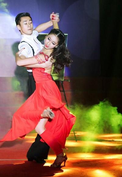 """Hoa khôi 9X Hà thành với thành tích """"khủng"""" dancesport ảnh 3"""