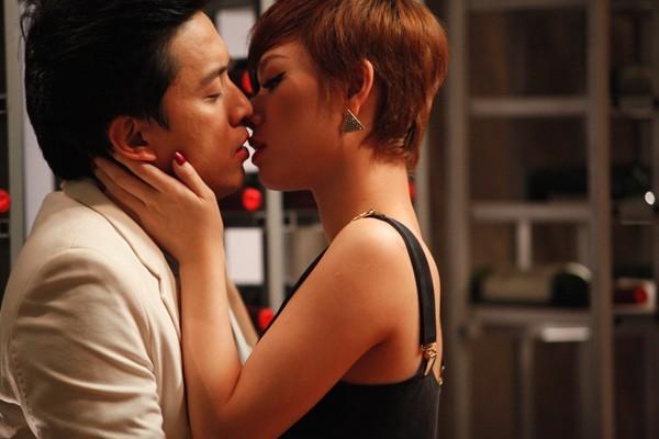 Trà My Idol đắm đuối hôn Lam Trường ảnh 3