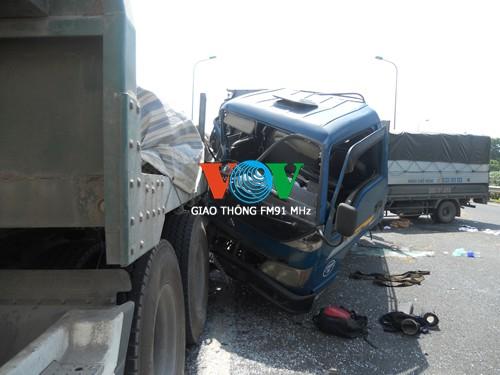 Tai nạn liên hoàn trên Đại lộ Thăng Long, 4 người thương vong ảnh 4