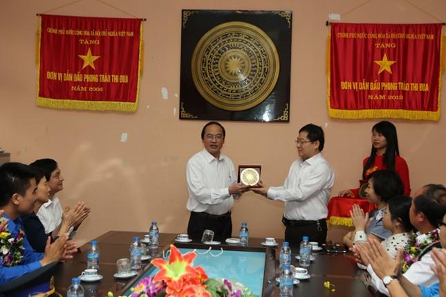 Gương mặt trẻ Việt Nam tiêu biểu báo công Vua Hùng ảnh 1